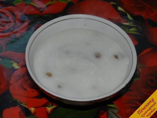 6) Манную кашу можно есть теплой или холодной, это зависит от вкусовых предпочтений каждого человека. Именно второй вариант нравится многим детям, так как такое блюдо больше напоминает пудинг.