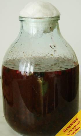 Как сделать вино из старого варенья и изюма
