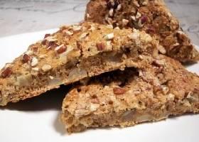 Овсяный пирог с грушами и орехами