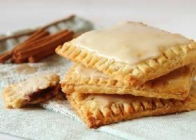Творожное печенье с изюмом и корицей