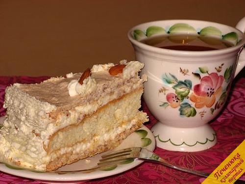 Лимонный торт с миндальными меренгами